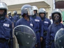 Robbers and police shoot at each other in Freetown